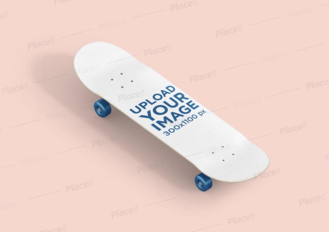 maquette de planche à roulettes placée dans une surface plane