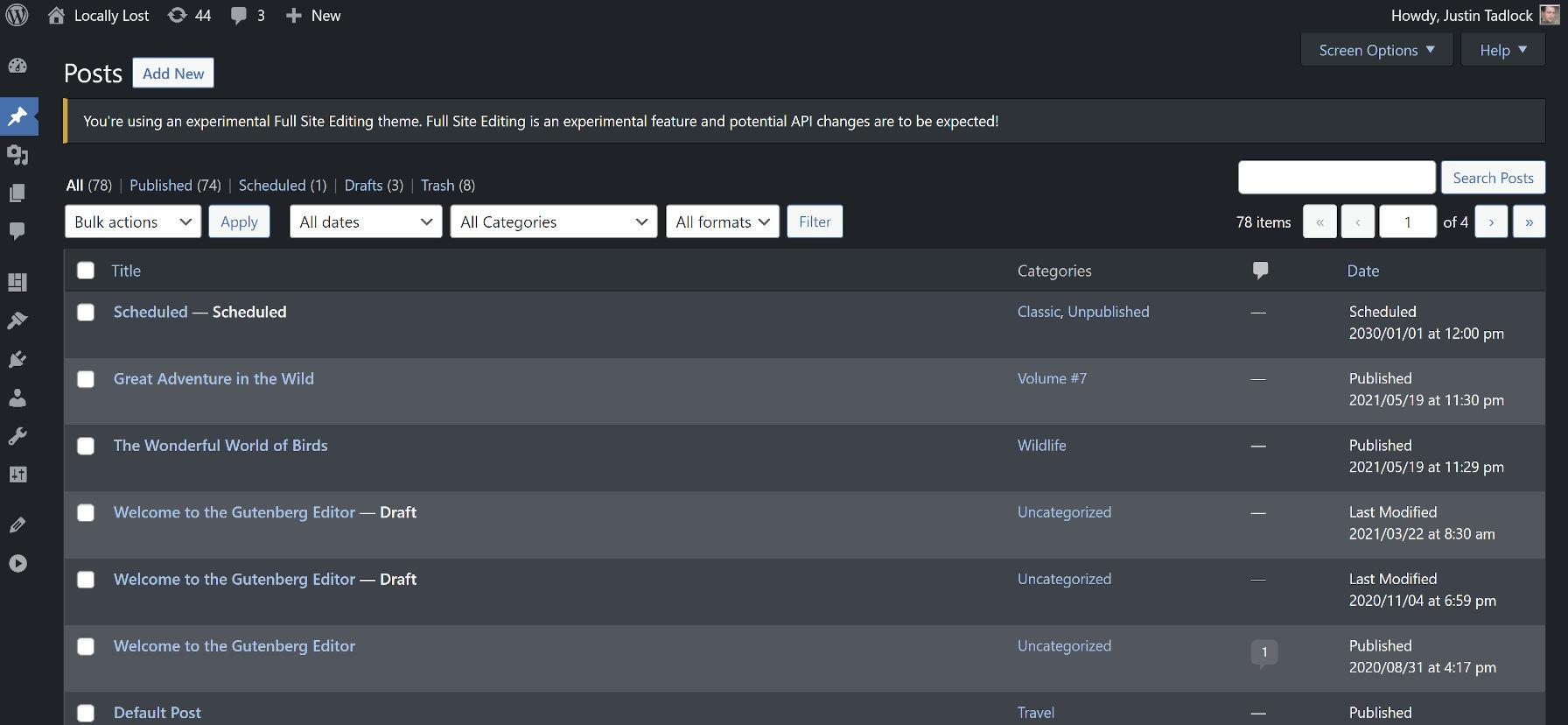 Affichage de l'écran de gestion des publications de WordPress en mode sombre.
